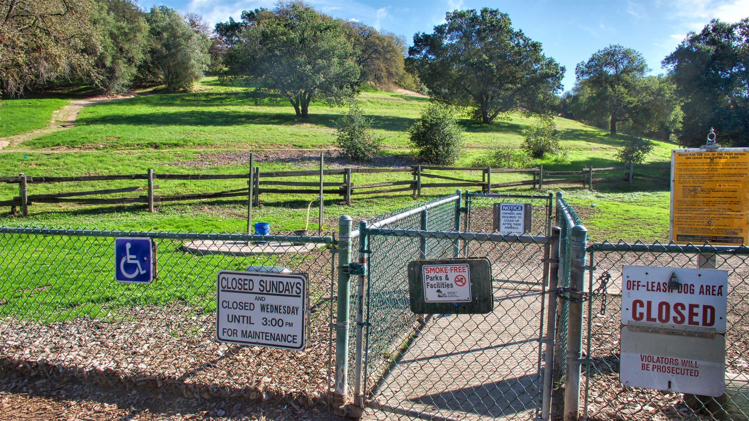Entrance Gate to Paso Nogal dog park